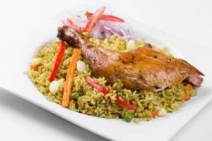 imagen plato de arroz con pollo peruano