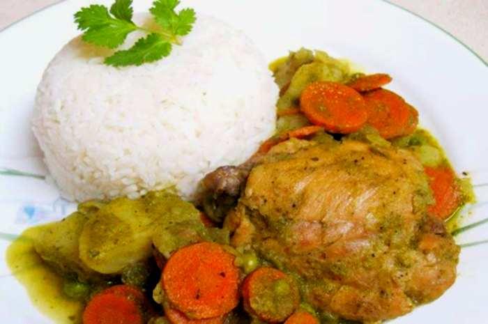 imagen plato de seco de pollo peruano