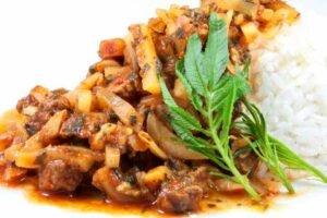 imagen plato de olluquito con carne peruano