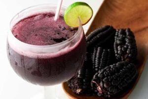 vaso de chicha morada peruana imagen