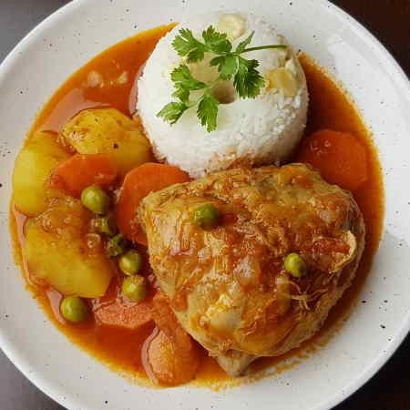 como hacer estofado de pollo peruano