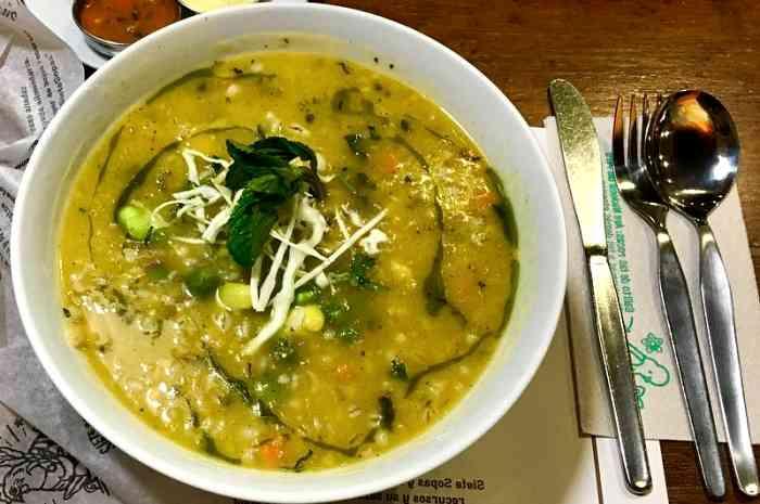 imagen plato de sopa de moron
