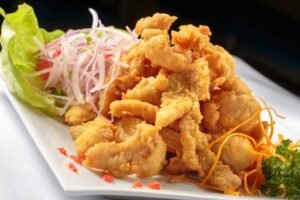 imagen plato de chicharron de pescado peruano
