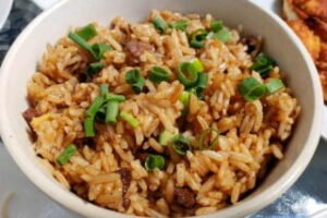 imagen plato con arroz chaufa de carne
