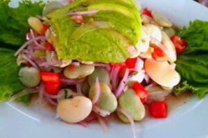 imagen plato de ensalada de pallares