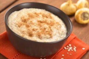 imagen taza con mazamorra de maicena o mazamorra de maizena