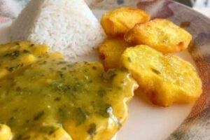 imagen plato de pollo a la mostaza con arroz y papas