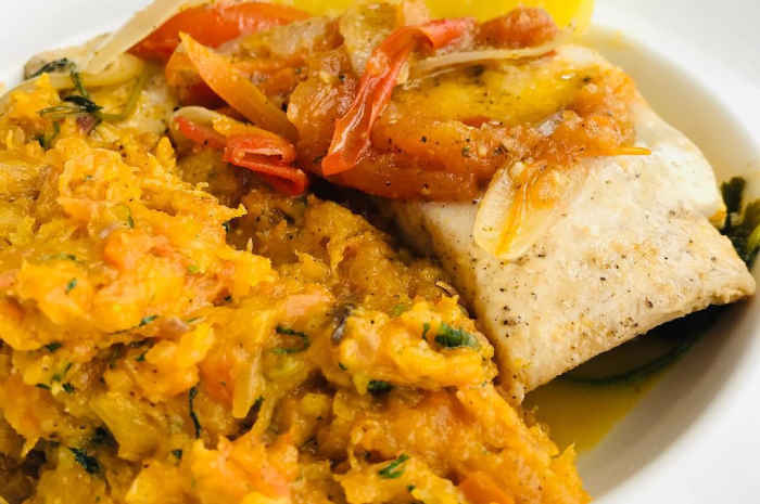 imagen de plato de malarrabia piurana con sudado de pescado